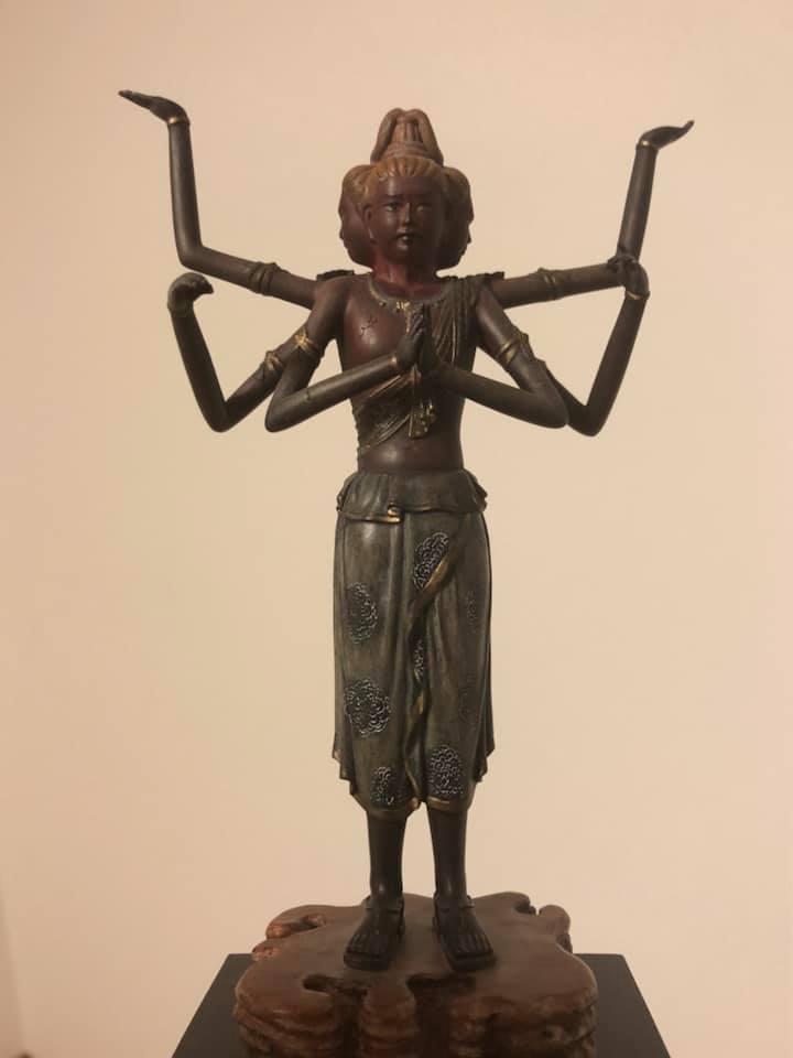 ashura_statue